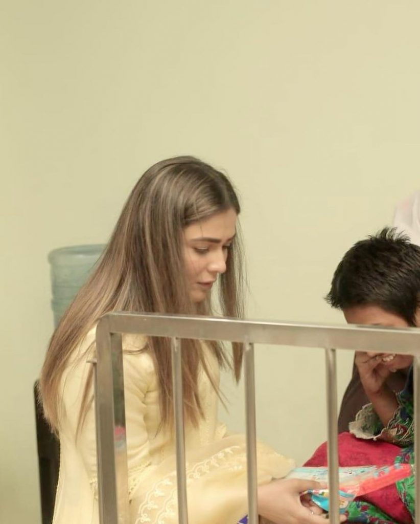Humaima Malick With Her Sister Dua Visited Orphanage