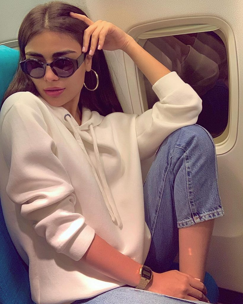 13 Times when Sadaf Kanwal Wore Sunglasses without Sun