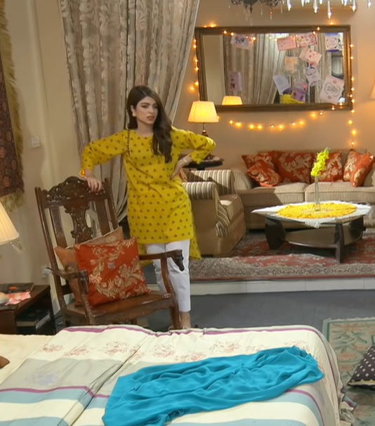 Stylish Dresses of Kinza Hashmi From Uraan