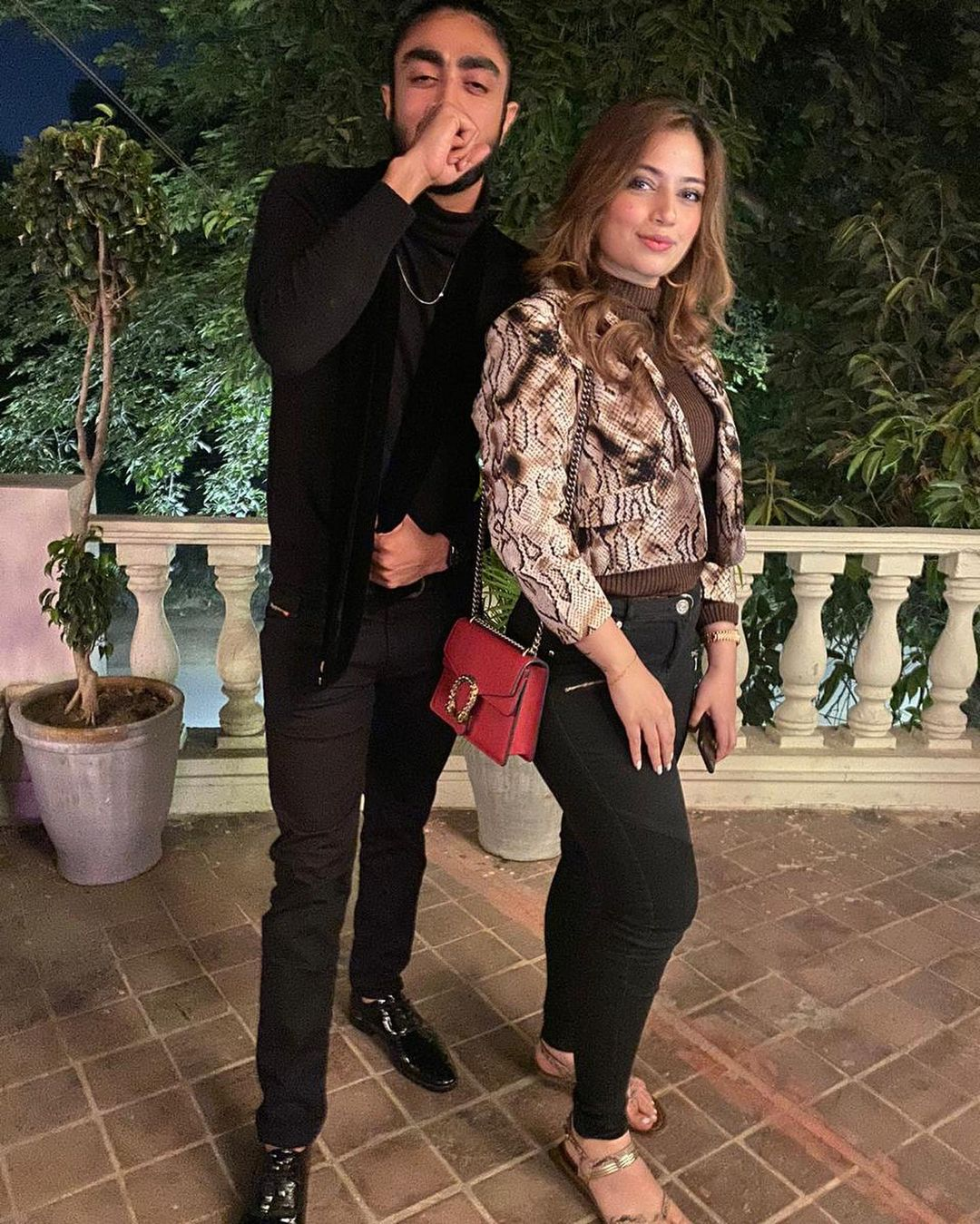 Yashma Gill Celebrated her Birthday with Friends - Beautiful Pictures
