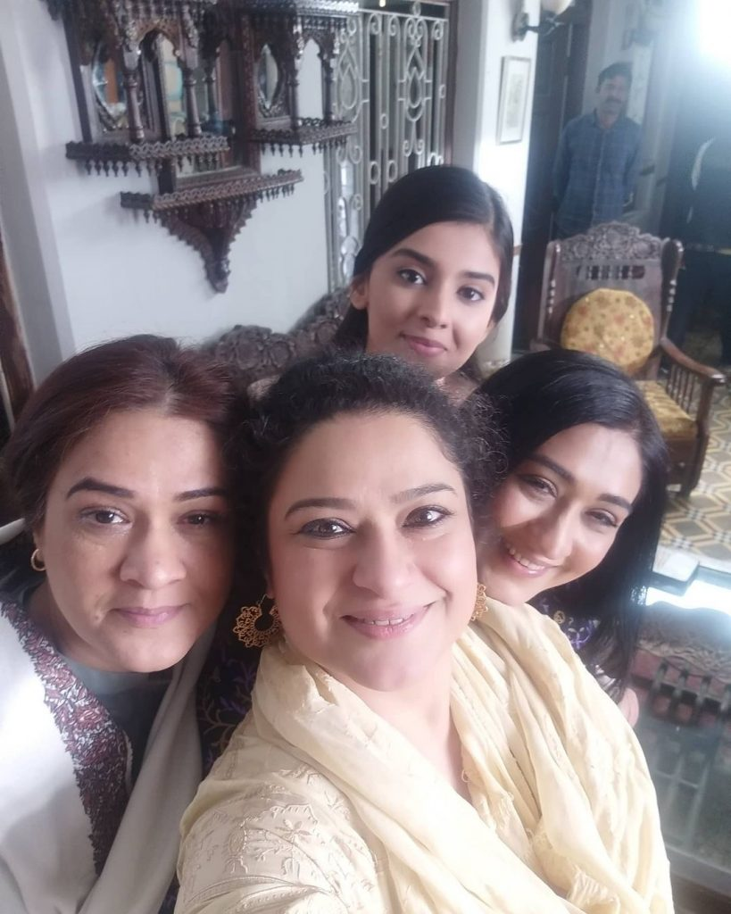 Latest Pictures Of Veteran Actress Sania Saeed