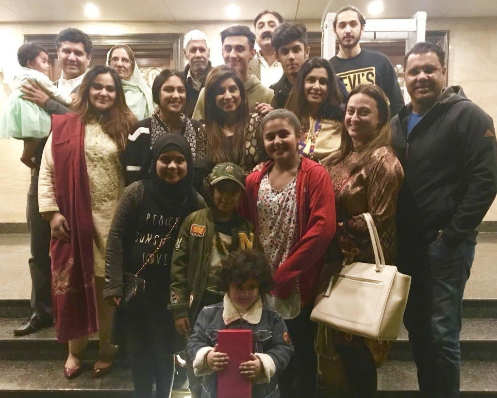 25 Pictures Of The Famous Waqar Younis With Family