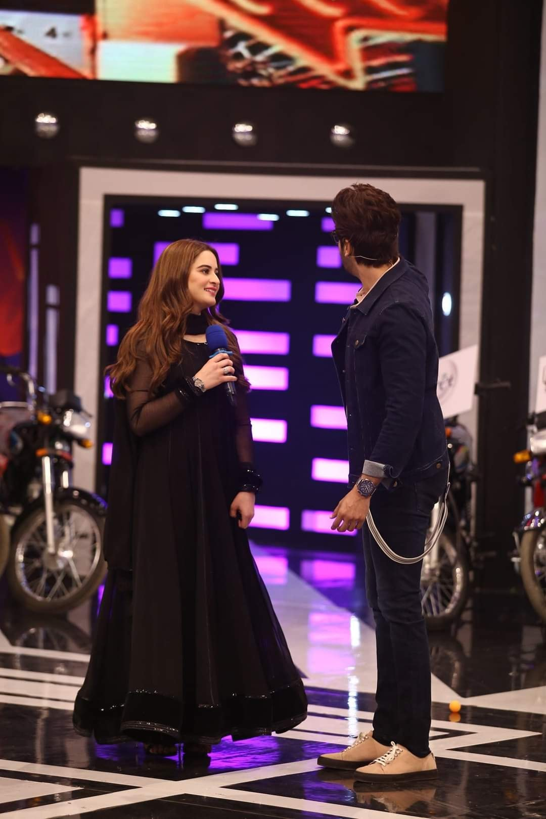 Aiman Khan in Jeeto Pakistan - Beautiful Pictures