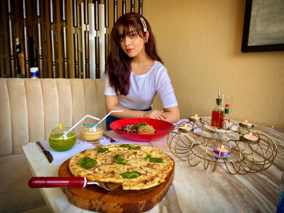 Latest Beautiful Clicks of Gorgeous Alizeh Shah