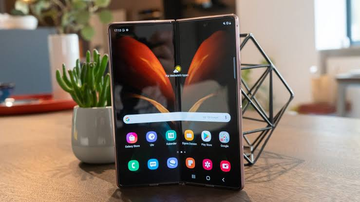 Samsung Galaxy Z Fold 3 Price in Pakistan and Specifications