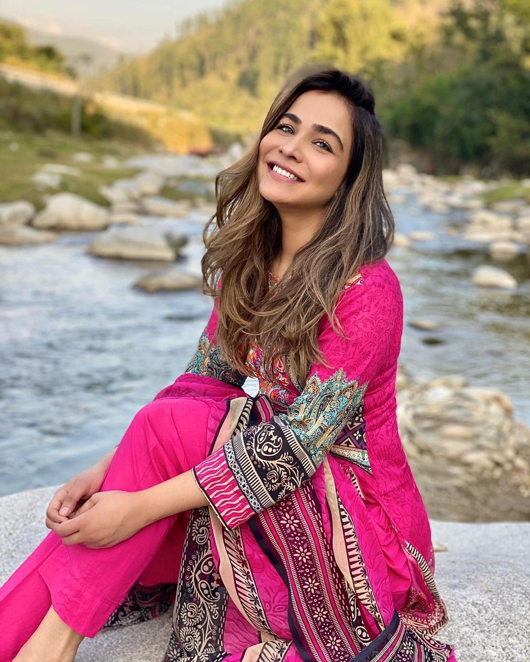 Humaima Malick Beautiful Pictures on a Sunny Day