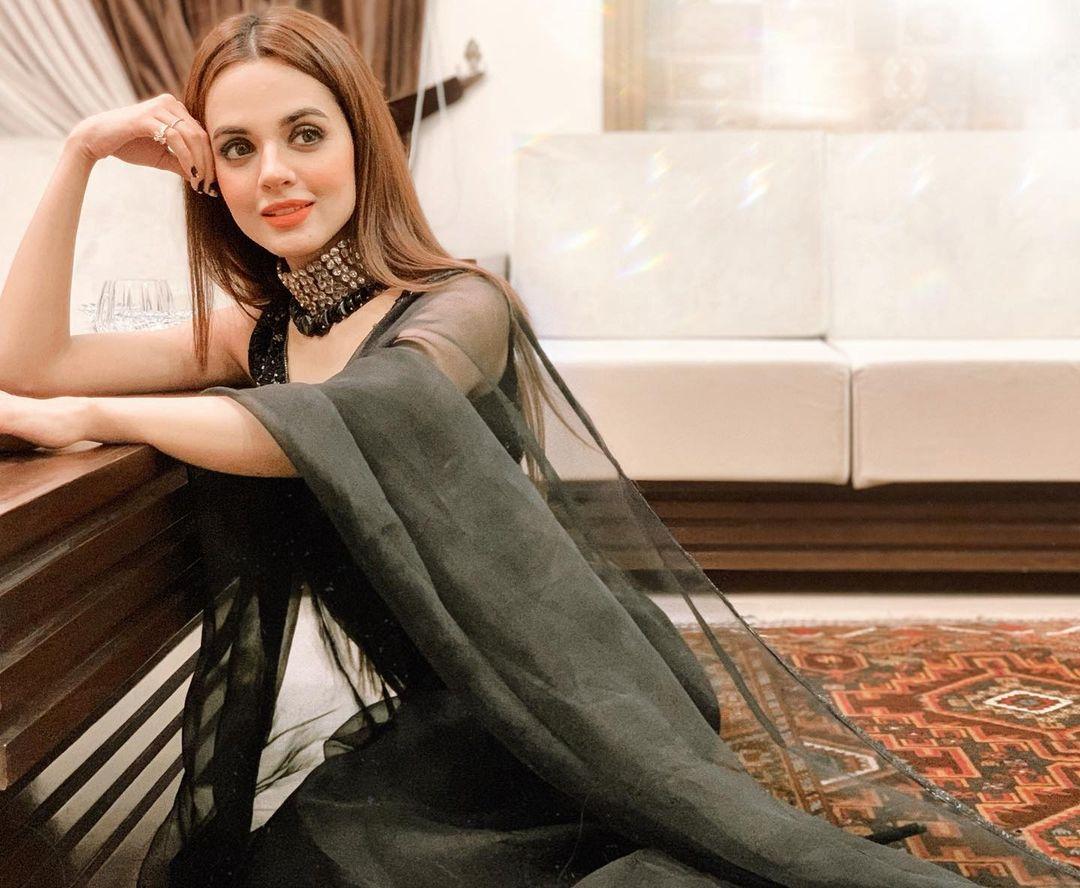 Beautiful Actress Komal Meer - Adorable Pictures