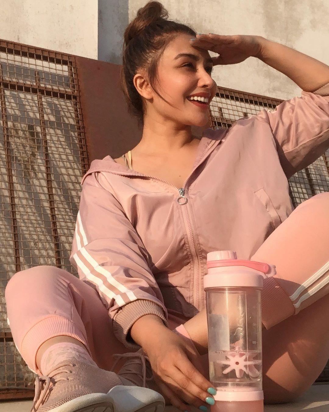 Actress Maira Khan Latest Photos from her Instagram