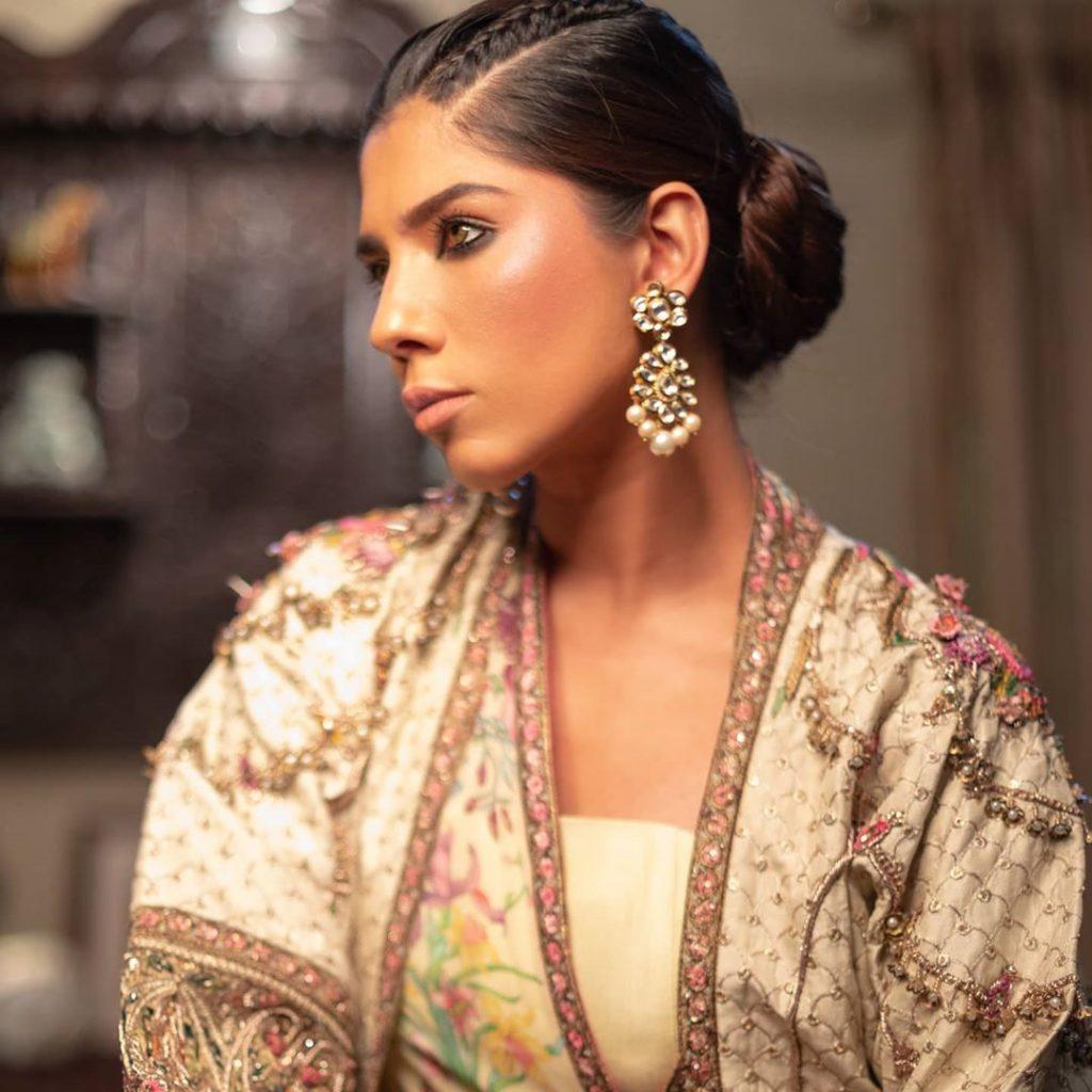 Model Anam Malik Bids Farewell To Showbiz And Embraced Hijab