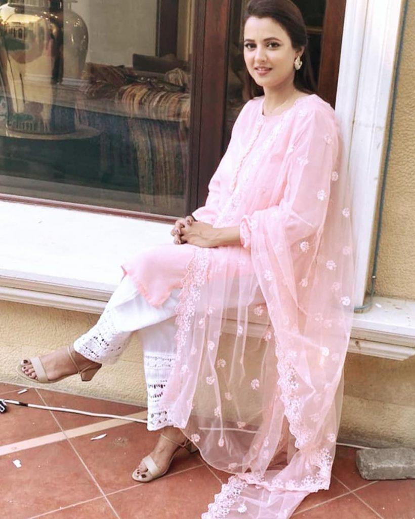 Mohabbat Tujhe Alvida Cast In Real Life