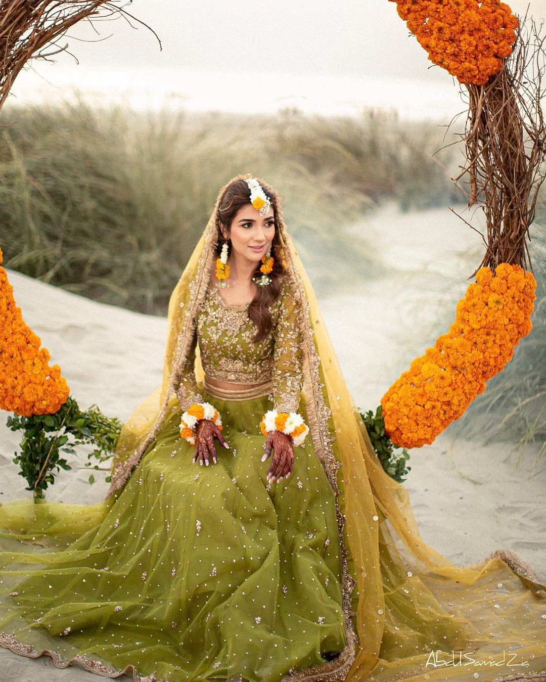 Rabab Hashim Mehndi Photo Shoot