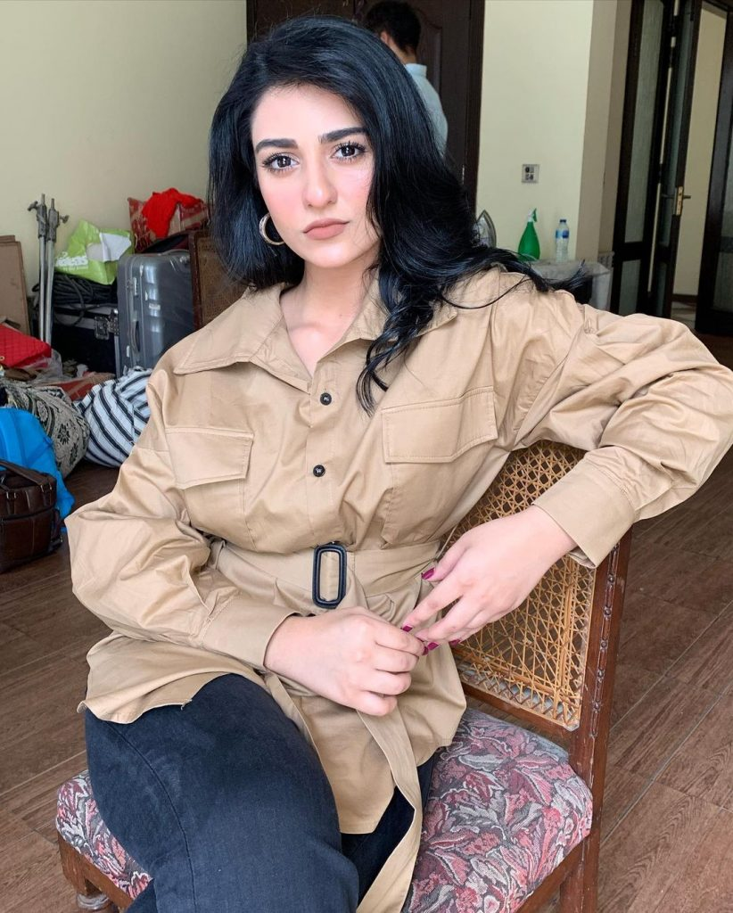 Noor And Sarah Zafar Khan's Father Passed Away