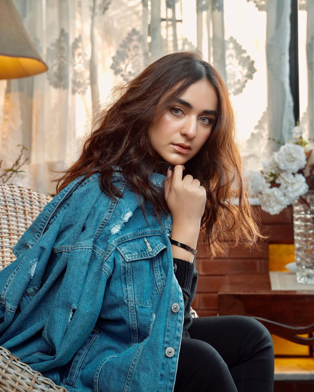 Yumna Zaidi is Looking Gorgeous in Her Latest Shoot