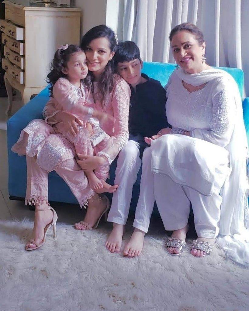 Memorable Pictures Of Bushra Ansari With Her Grandchildren