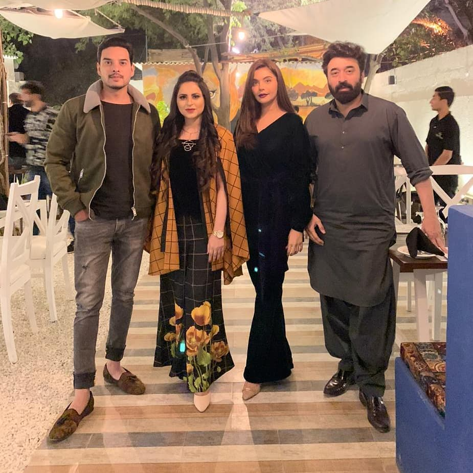 Gorgeous Actress Armeena Khan Spotted at The Forest Restaurant