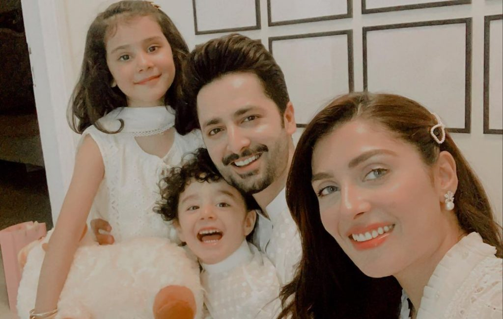 Best Family Picture Poses to Learn From Ayeza Khan and Danish Taimoor