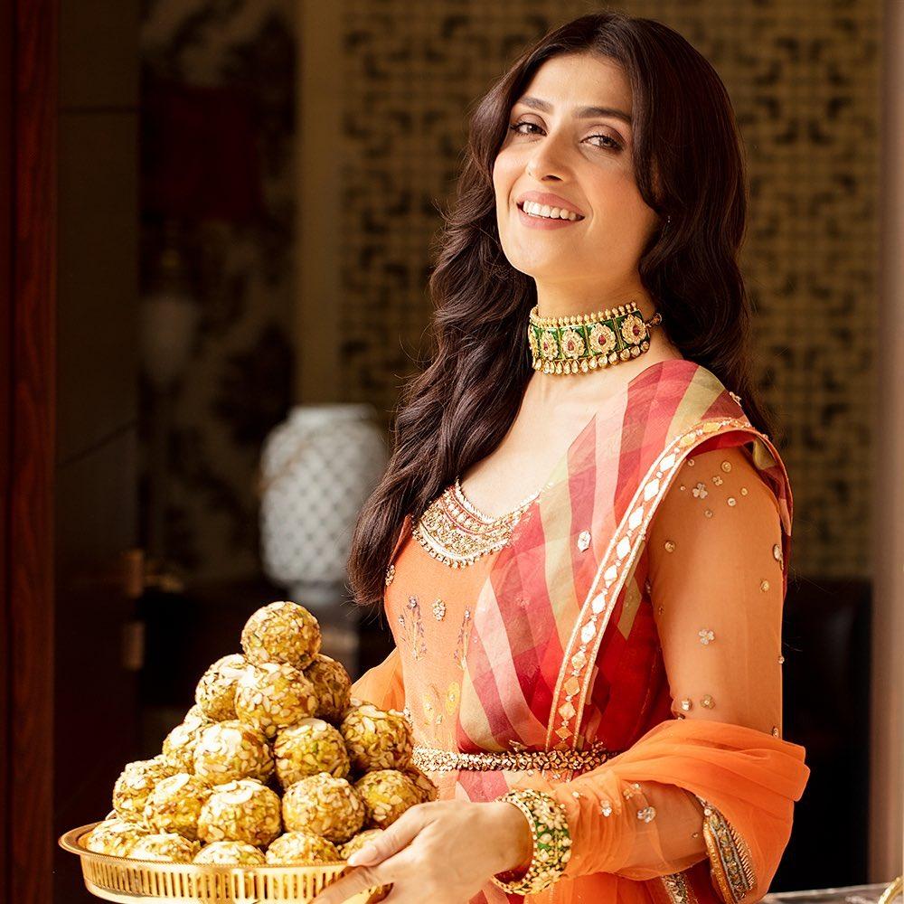 Bundu Khan Latest TV Commercial Featuring Ayeza Khan