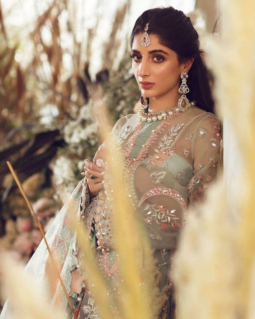 Mawra Hocane Flaunts Her Gavel
