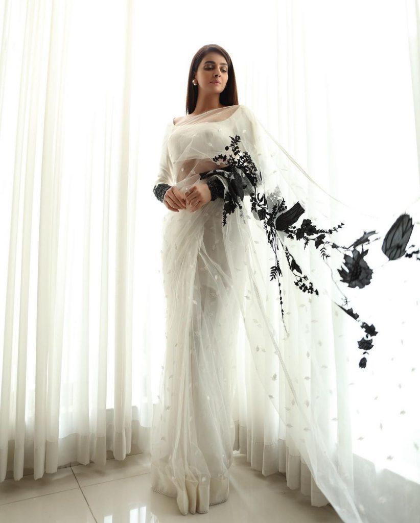 Lovely Photos of Saba Qamar With 45 Shades of White
