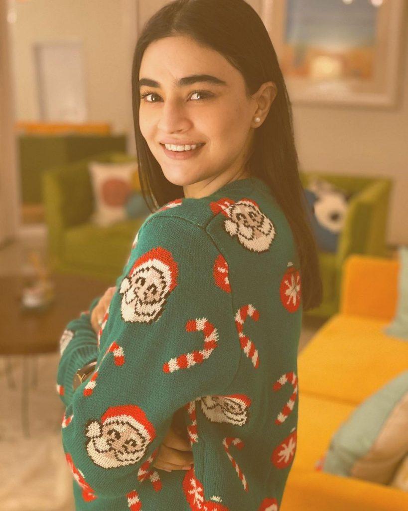Adorable Photos Of Saheefa Jabbar Khattak In Her House