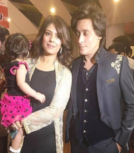 Sahir Lodhi Wife - 10 Beautiful Pictures
