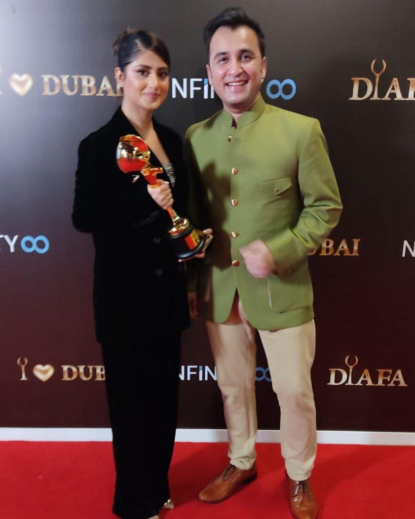 Sajal Ali Wins International Icon Award At DIAFA
