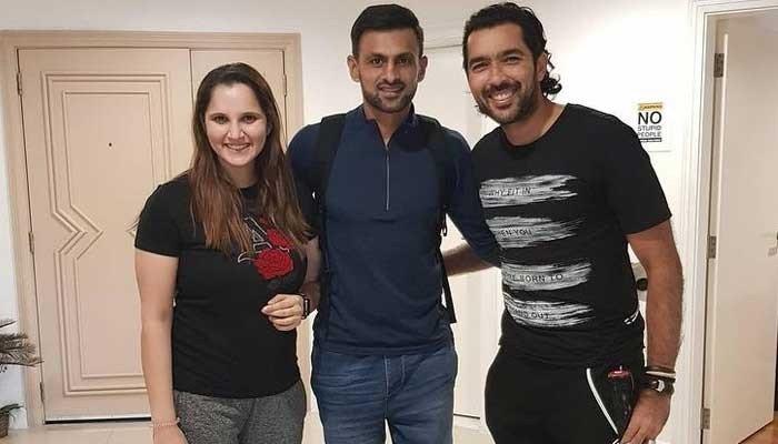 Sania Mirza Donates Her Racquet To Aisam-Ul-Haq Charity Foundation