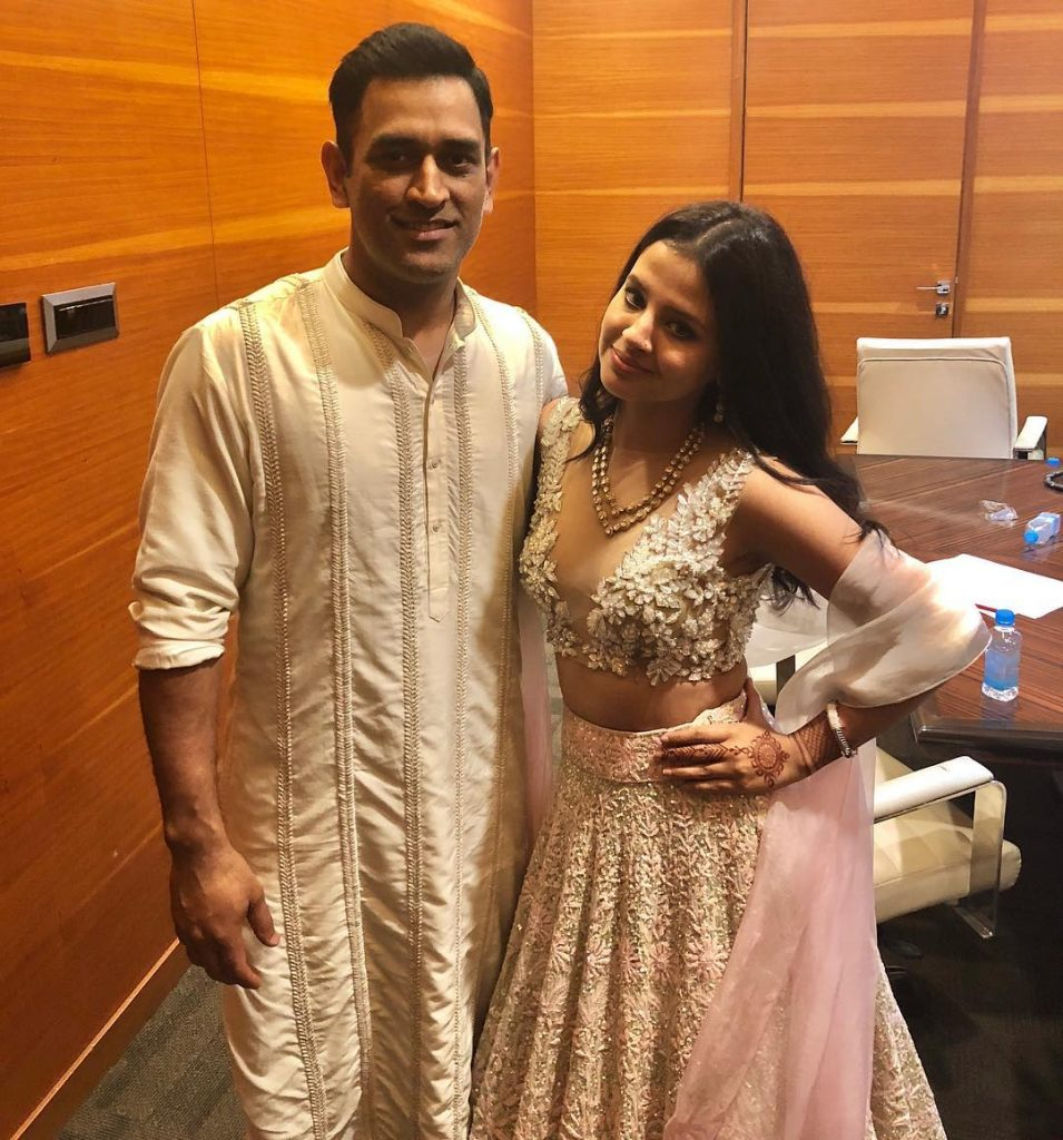 Mahendra Singh Dhoni Wife | 10 Sizzling Pictures