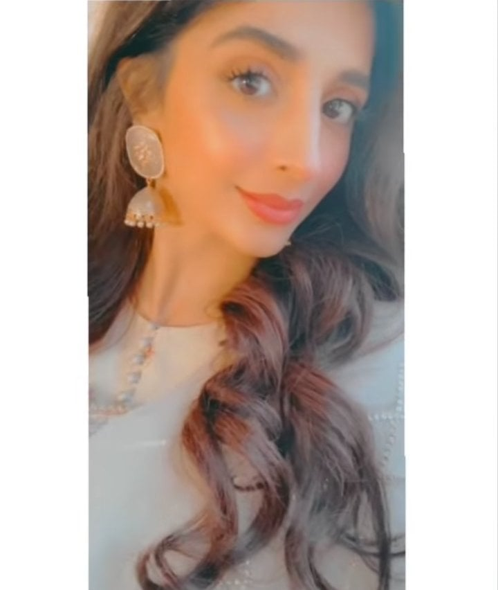 Mawra Hocane Looks Exquisite in these Ivory Ensembles