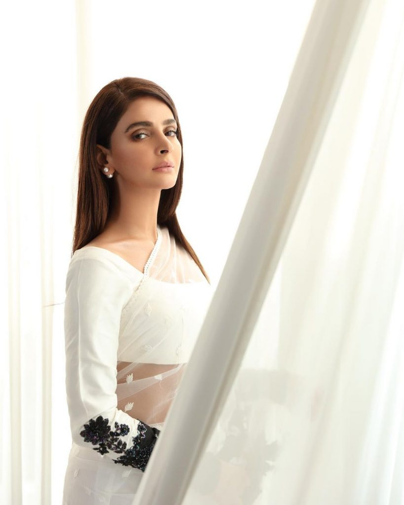 30 Beautiful Pictures of Saba Qamar In Eastern Attire