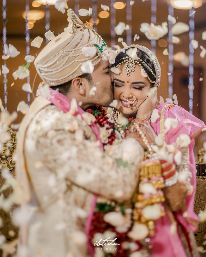 Aditya Narayan Wife | 10 Lovey-Dovey Pictures