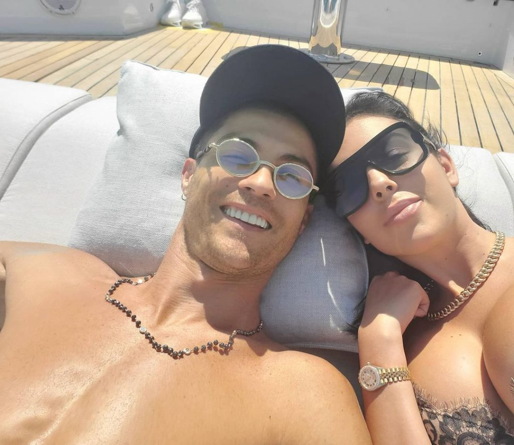 Ronaldo Wife | 10 Awesome Pictures