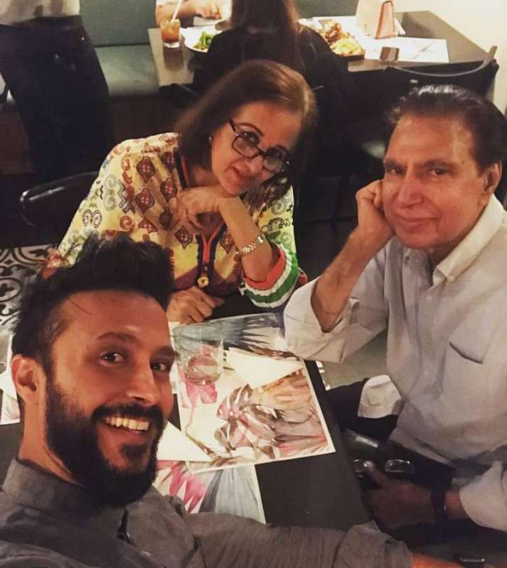 20 Family Clicks Of Rahat Kazmi With Family