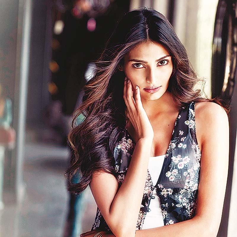 Sunil Shetty Daughter | 10 Ravishing Pictures