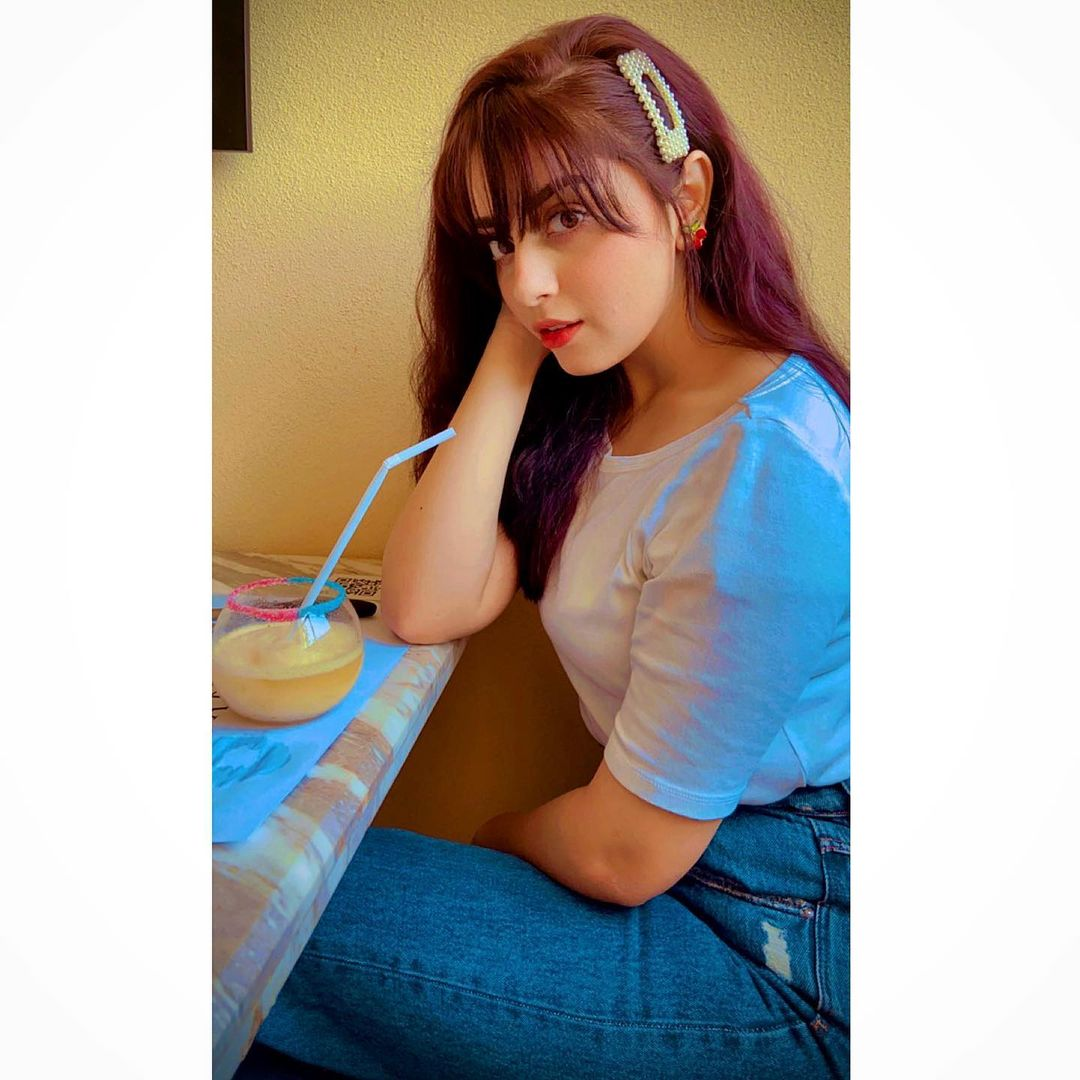 Alizeh Shah is Looking Stunning in her Latest Pictures