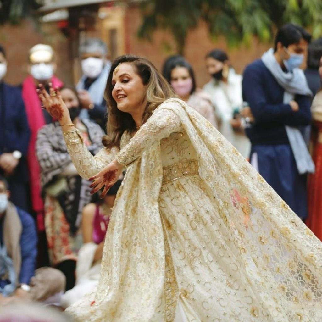 Dance Video Of Hina Khawaja From Daughter's Wedding Event