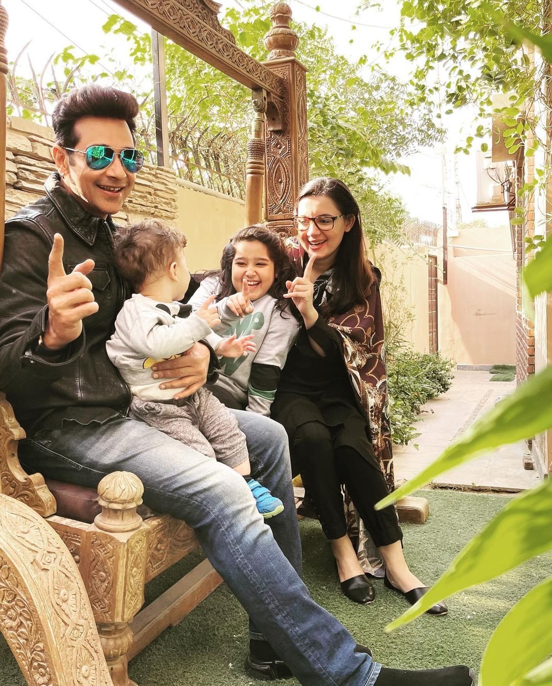 Faysal Qureshi with Wife Sana Faysal and Kids - Latest Pictures