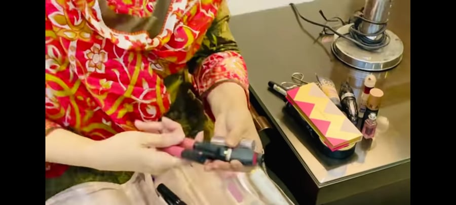 Here Is What's Inside The Makeup Pouch Of Sahiba