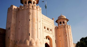 Young boy damaged Ranjit Singh's statue in Shahi Qila , Lahore