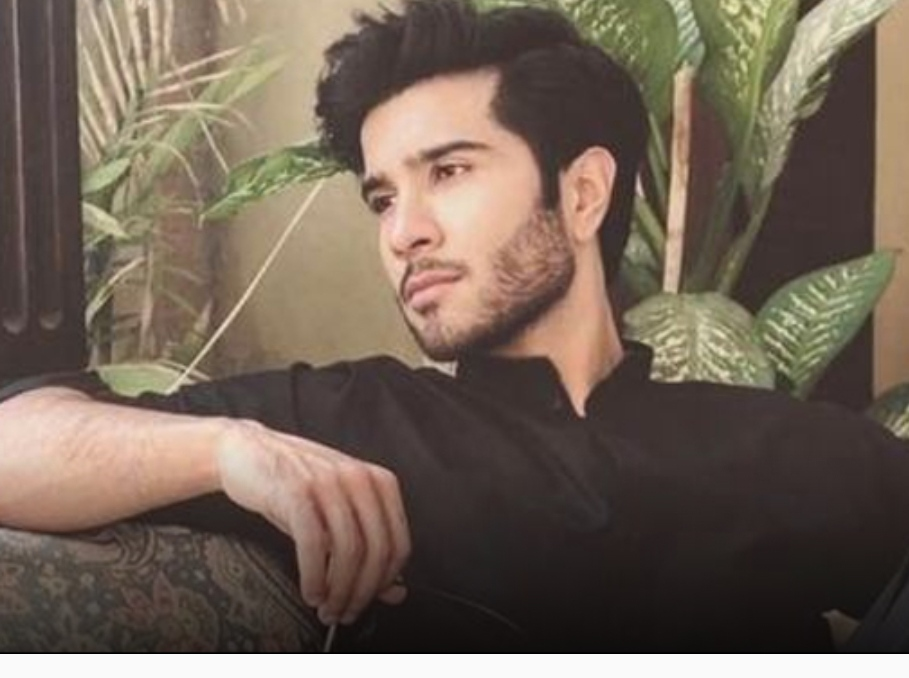 Feroze Khan shares a reality check with his fans