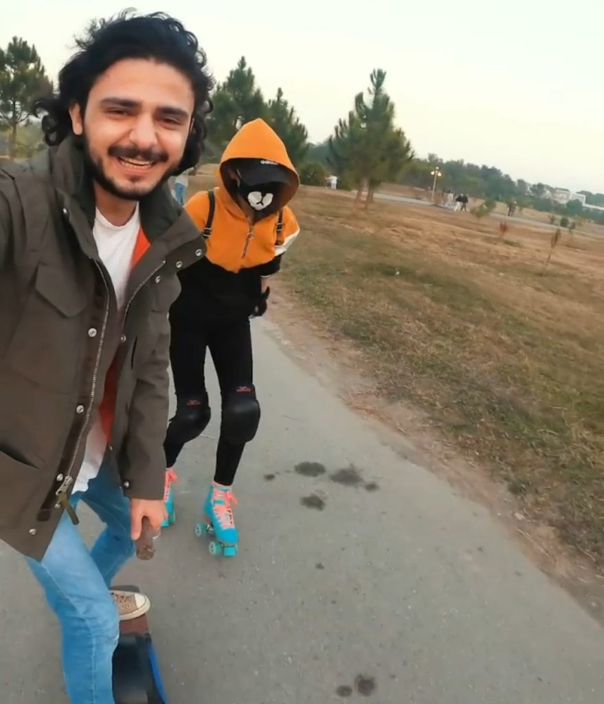 Ukhano With Wife , Pictures while Traveling Pakistan