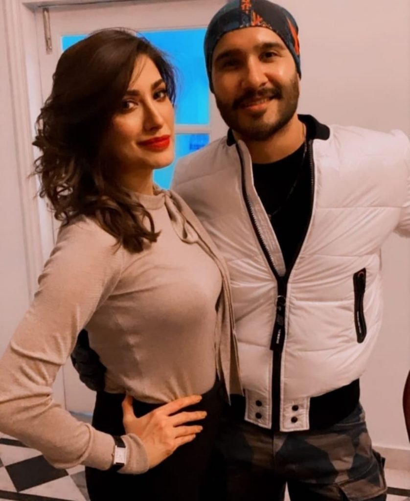 Mehwish Hayat And Feroze Khan Spotted Together
