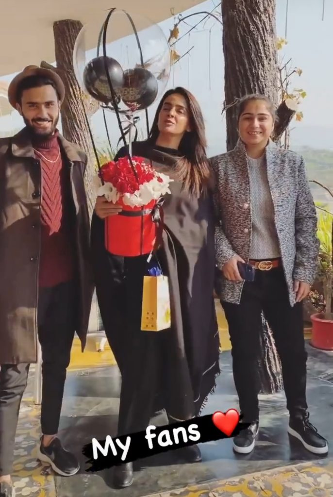 Saba Qamar's Fan Reached Out to Her On Set