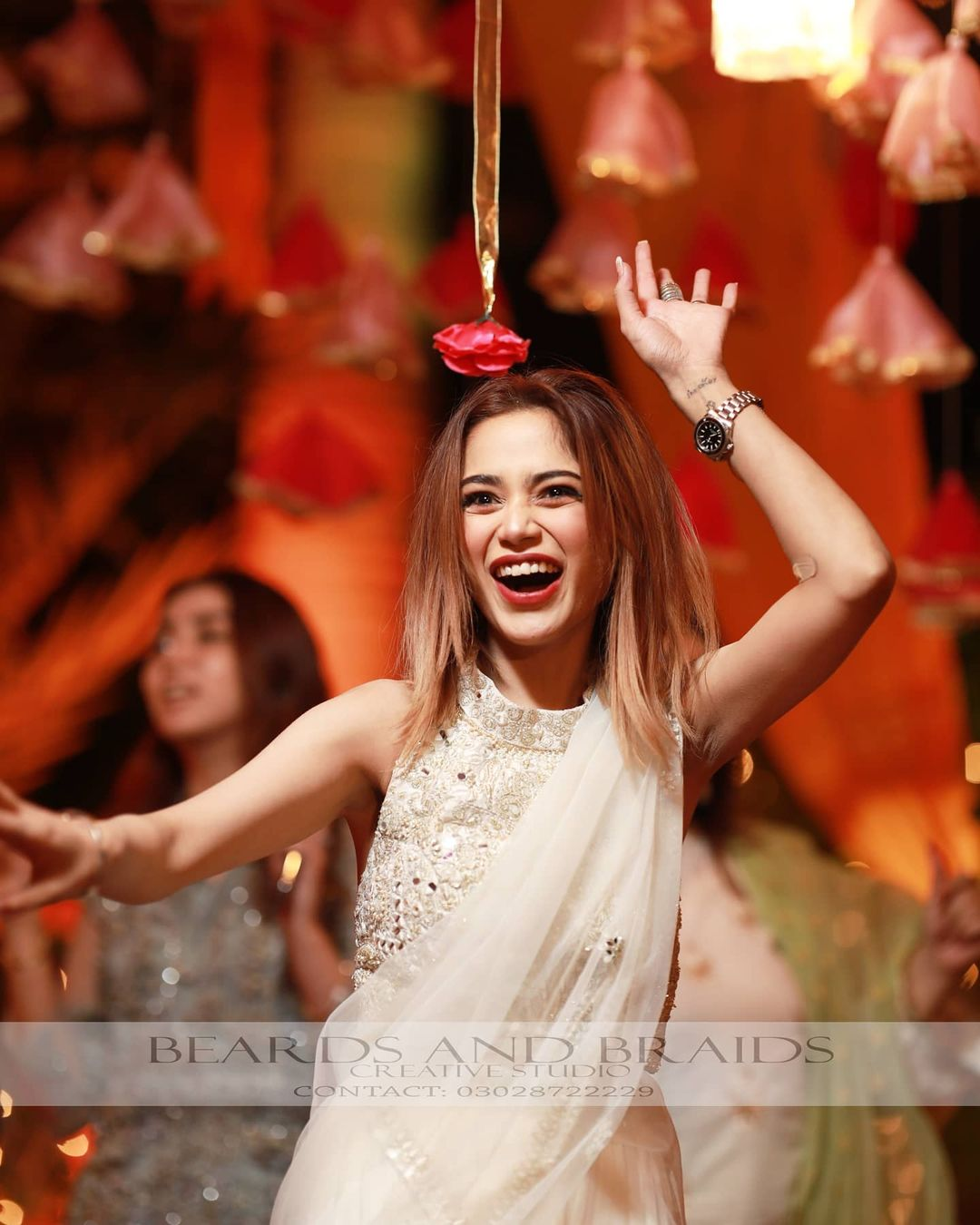 Singer Aima Baig Sister Komal Baig Mayoun Pictures