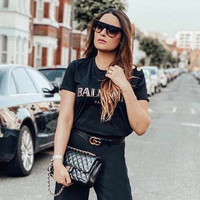 Kubra Khan Sister | 10 Lovely Pictures