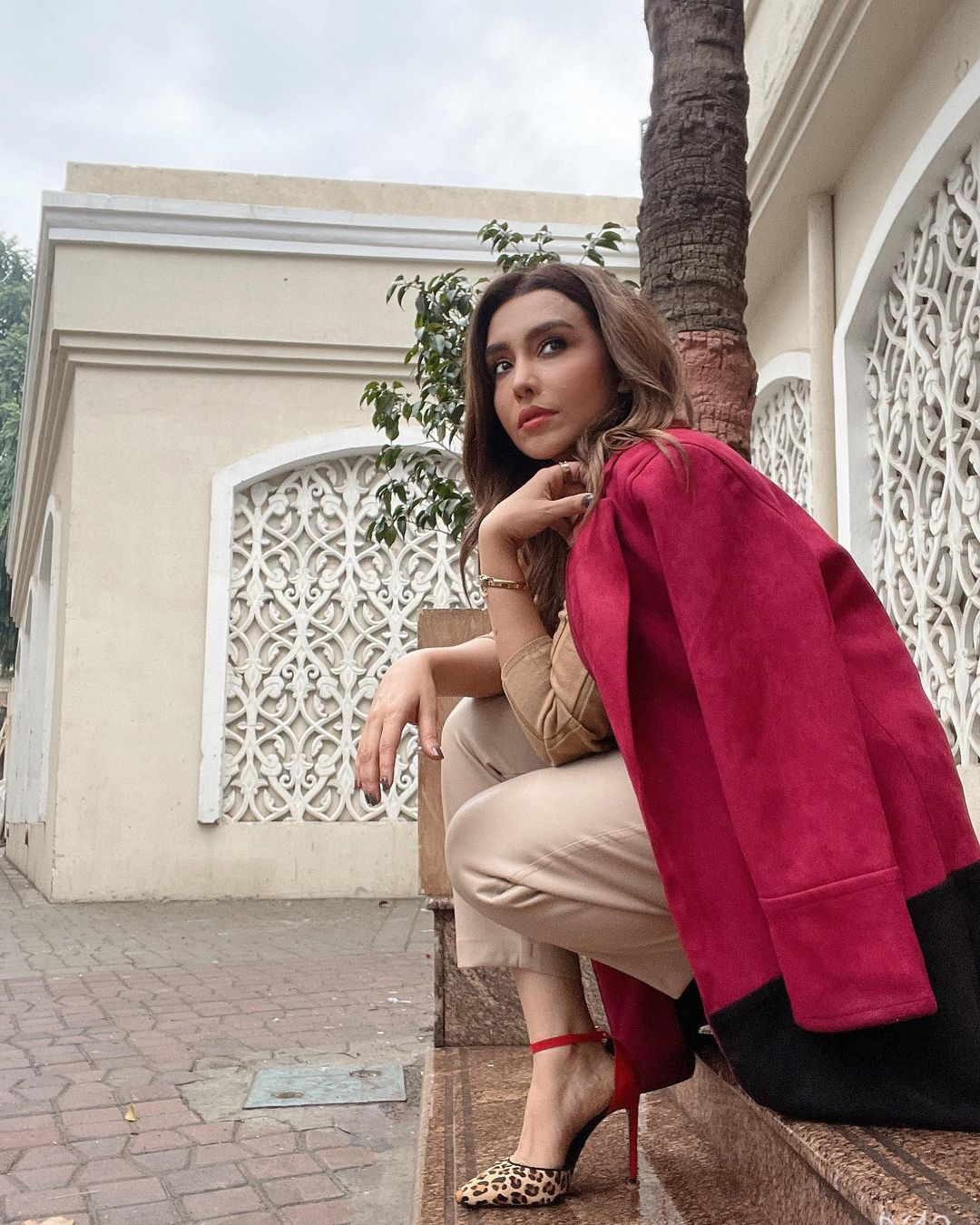 Actress Maira Khan Latest Pictures from her Instagram
