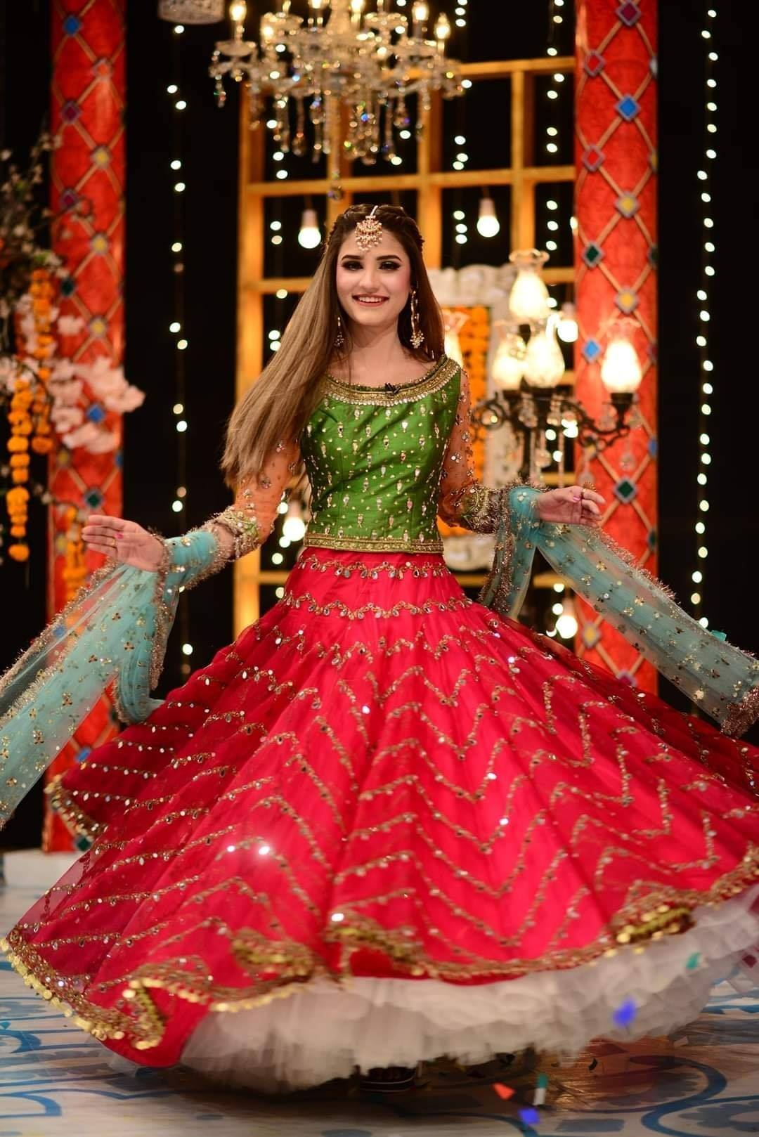 Viral Nimra Ali Mehndi Look by Kashees in GMP