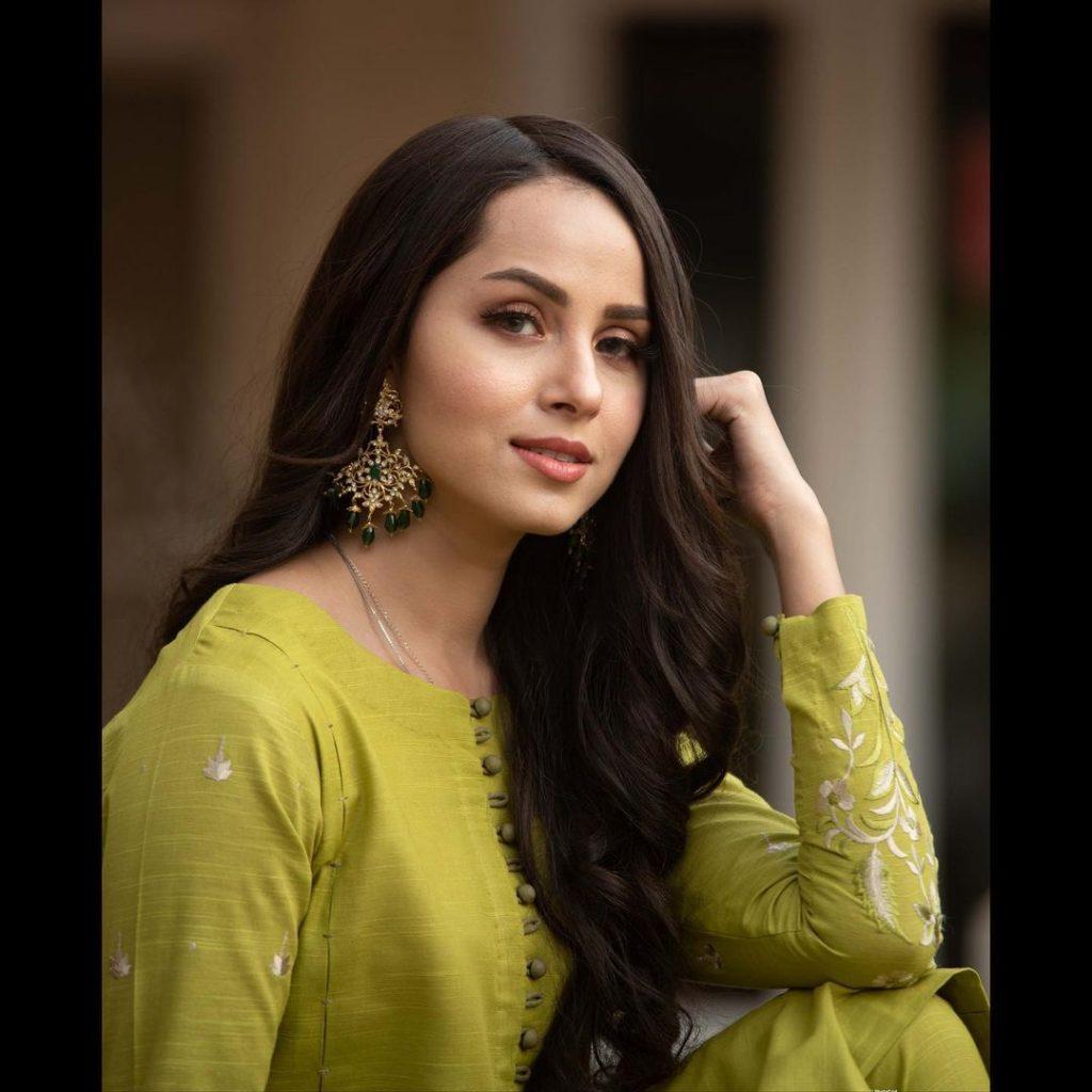 Nimra Khan Looks Chic In Her New Winter Attires