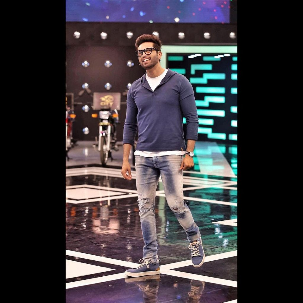 Public Angry Over Fahad Mustafa's Support For Jalan