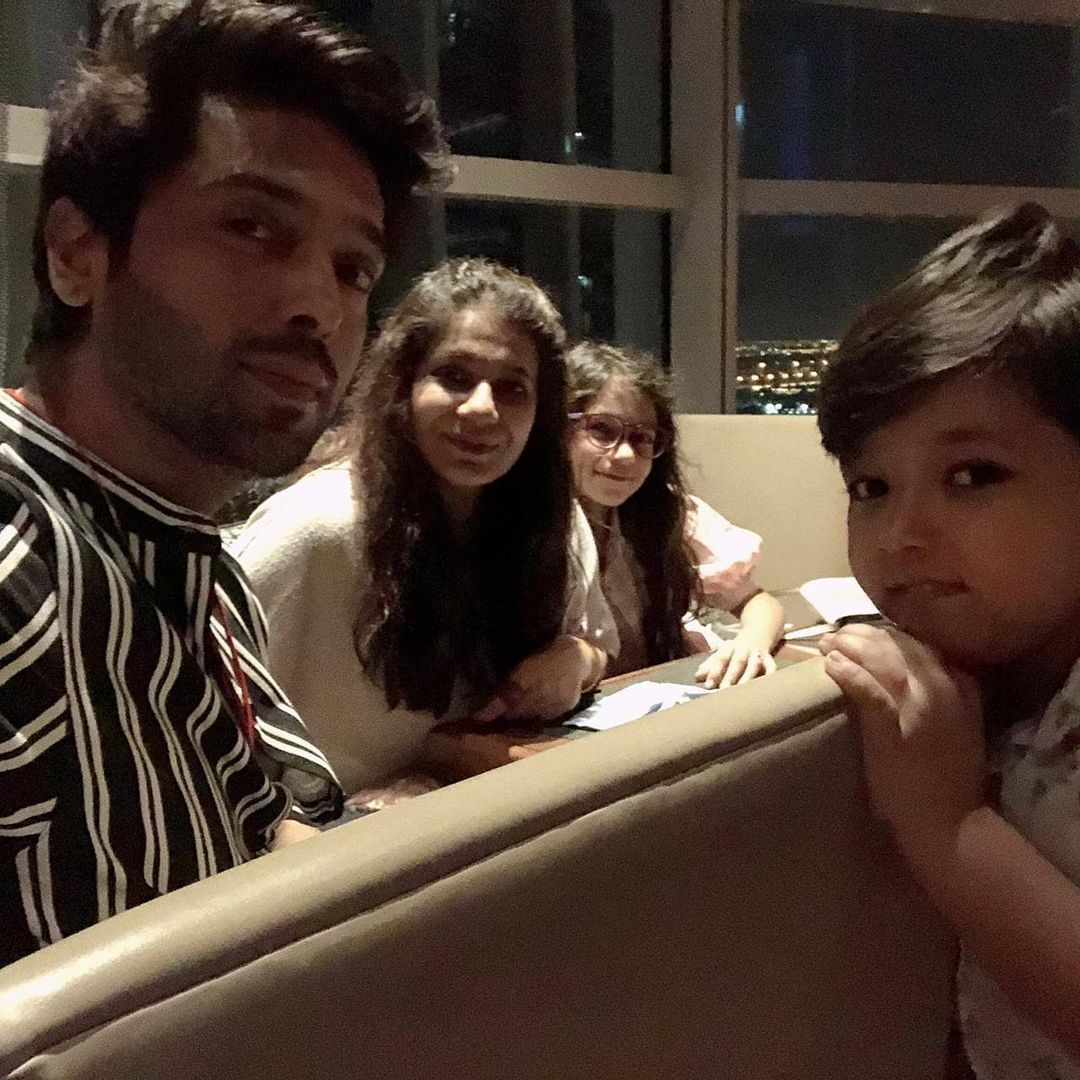 Fahad Mustafa with his Family - Latest Pictures